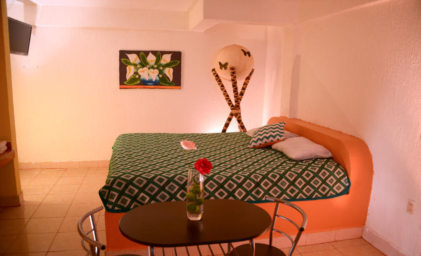 hotel san carlos doble king size $300.00